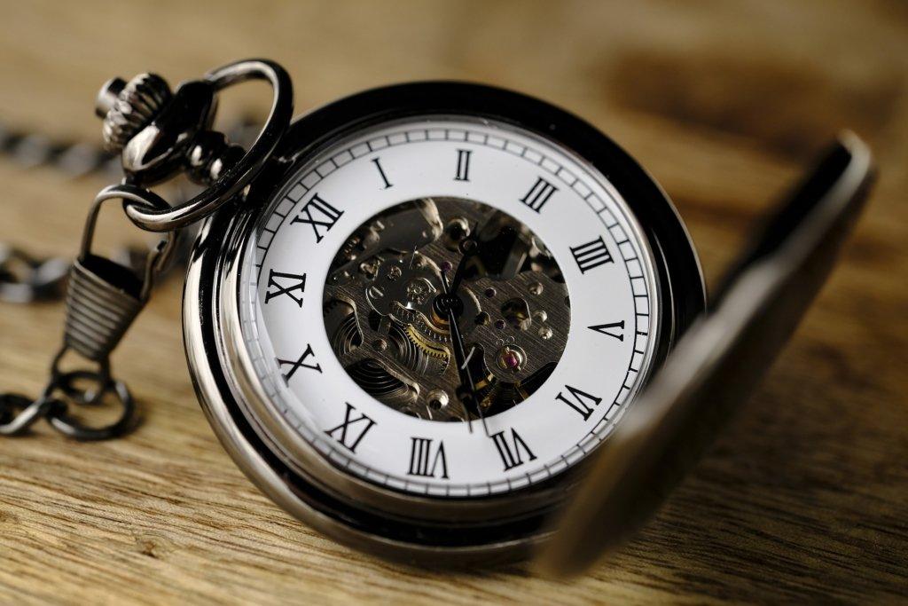 Отмена перевода часов: Украине могут разрешить жить по разным рабочим графикам