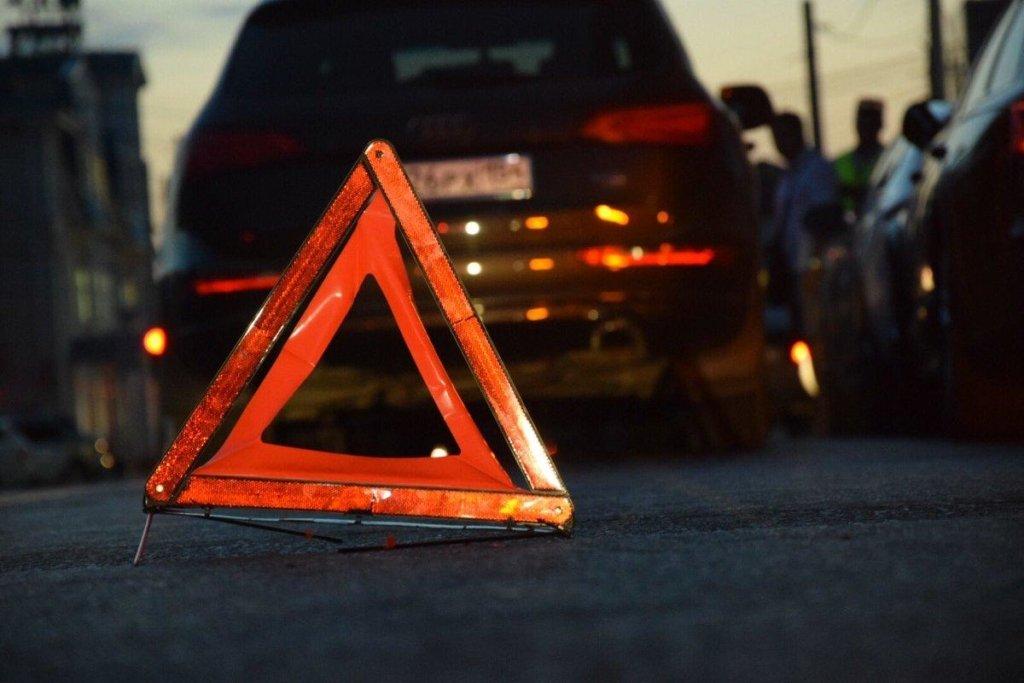 Ужасное ДТП на мосту Патона: появилось видео из салона Audi, которое разбилось вдребезги