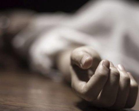 В Херсоне мужчина зверски убил жену