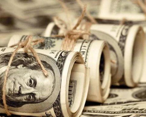 Доллар резко подорожал: НБУ озвучил курс валют на сегодня, 12 сентября