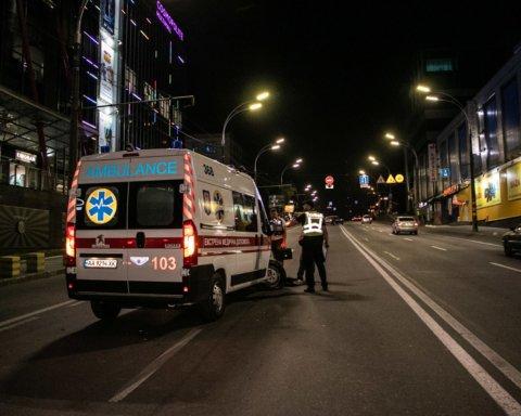 »Скорая» с ребенком попала в серьезное ДТП в Киеве: подробности и фото