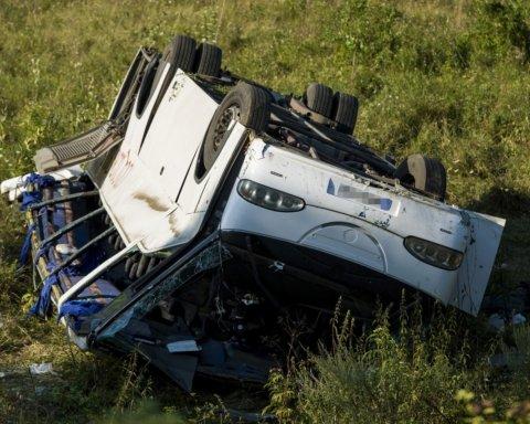 Жахлива ДТП під Одесою: десятки загинули