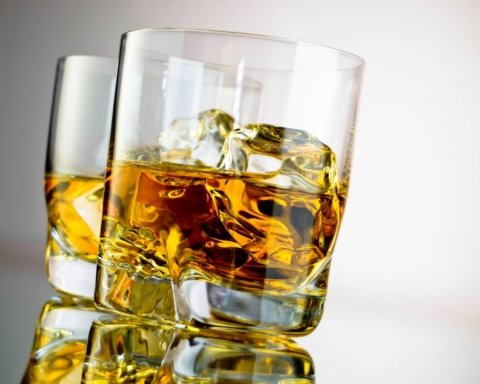 Врачи рассказали, почему полезно пить алкоголь