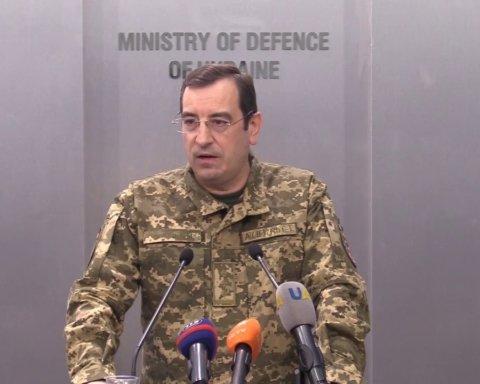 Росія стягує важке озброєння до кордону з Україною