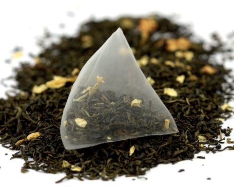 Що насправді ми п'ємо: медики попередили про небезпеку чаю у пакетиках