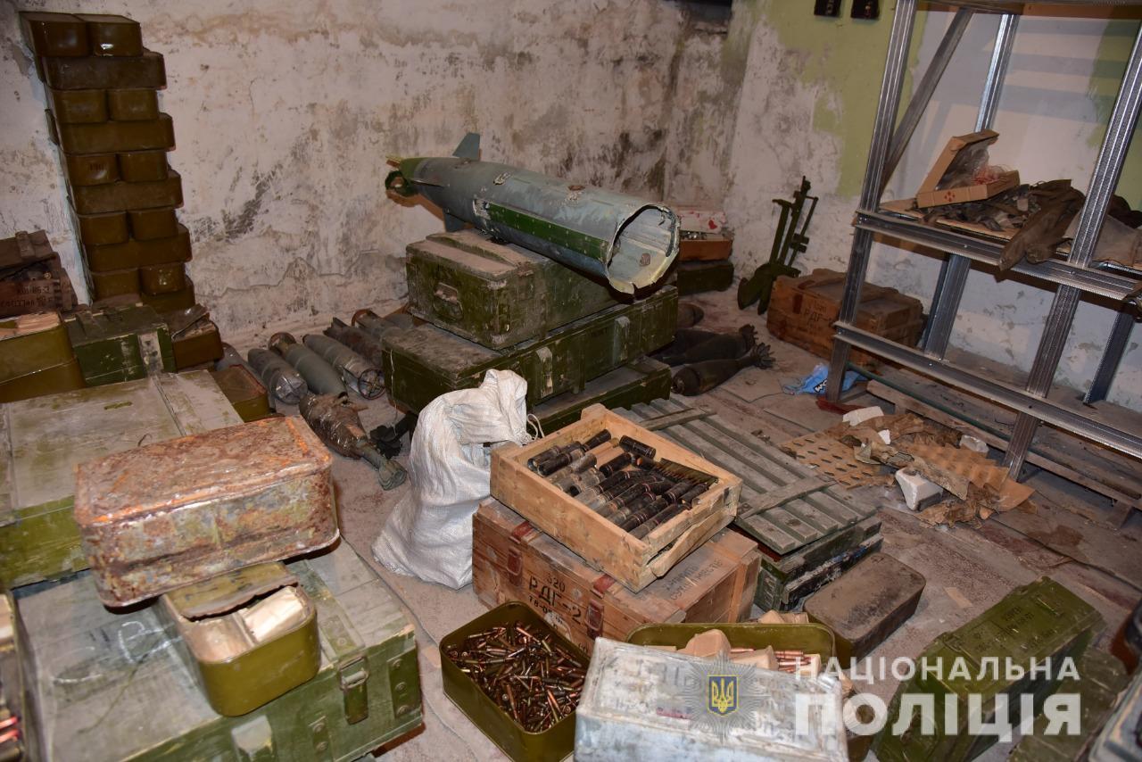 Добробати на Донбасі несподівано склали зброю: що сталося