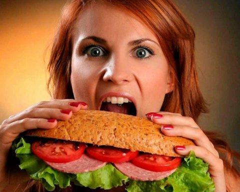 Медики назвали найгіршу вуличну їжу: список