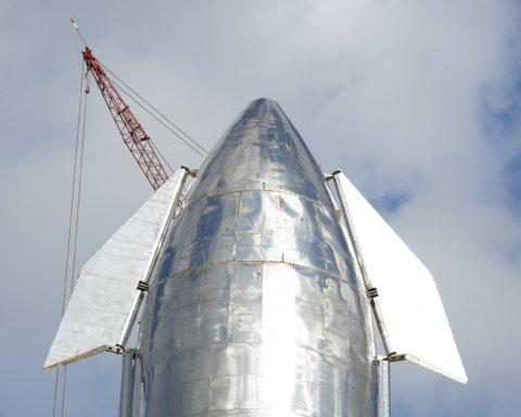 Маск показал космический корабль, который полетит на Марс