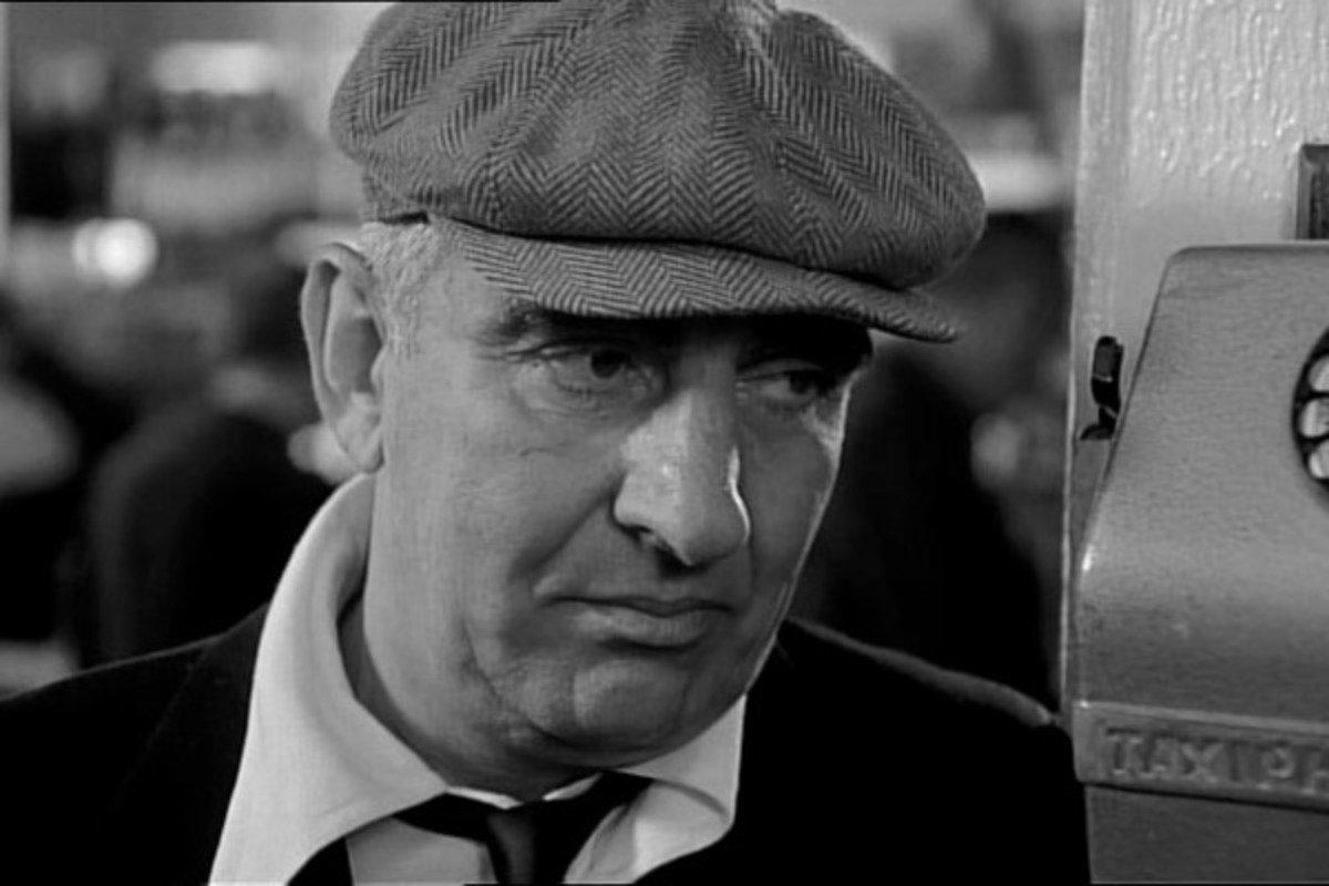 В Париже скончался культовый актер, который подрался с Бельмондо