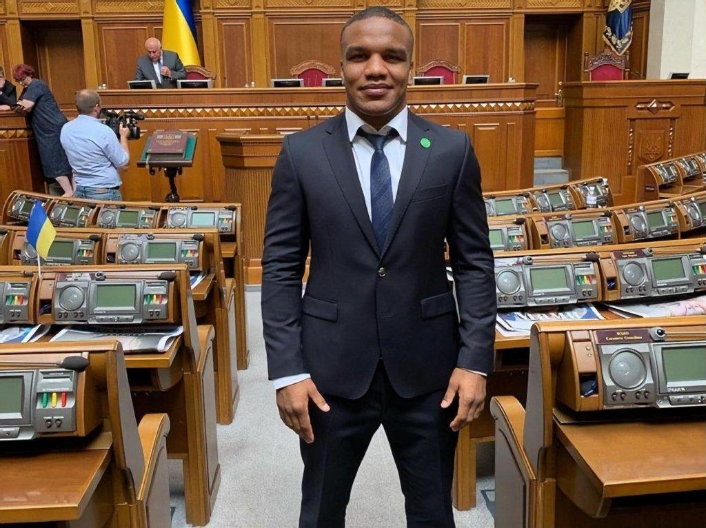 Народный депутат Украины поедет выступать на чемпионат мира по борьбе