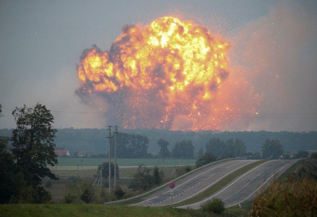 В Украине произошел взрыв на нефтебазе: есть погибший