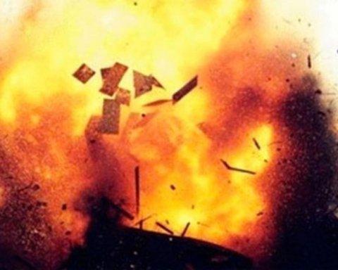 Хотел взорвать соседа, а пострадал сам: в Киевской области мужчина пострадал от взрыва гранаты