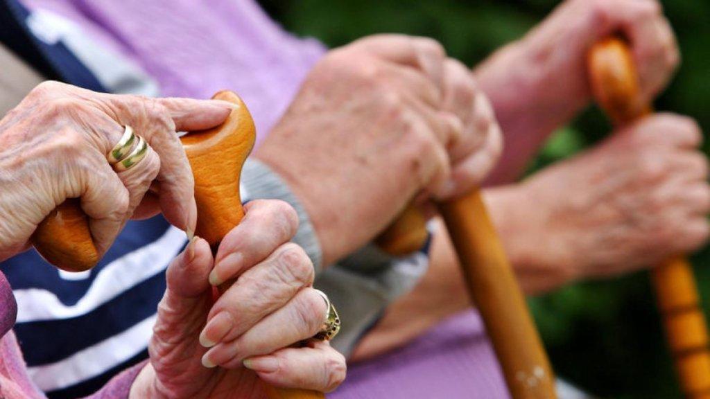 Пенсійний вік для жінок в Україні: влада готує радикальні зміни