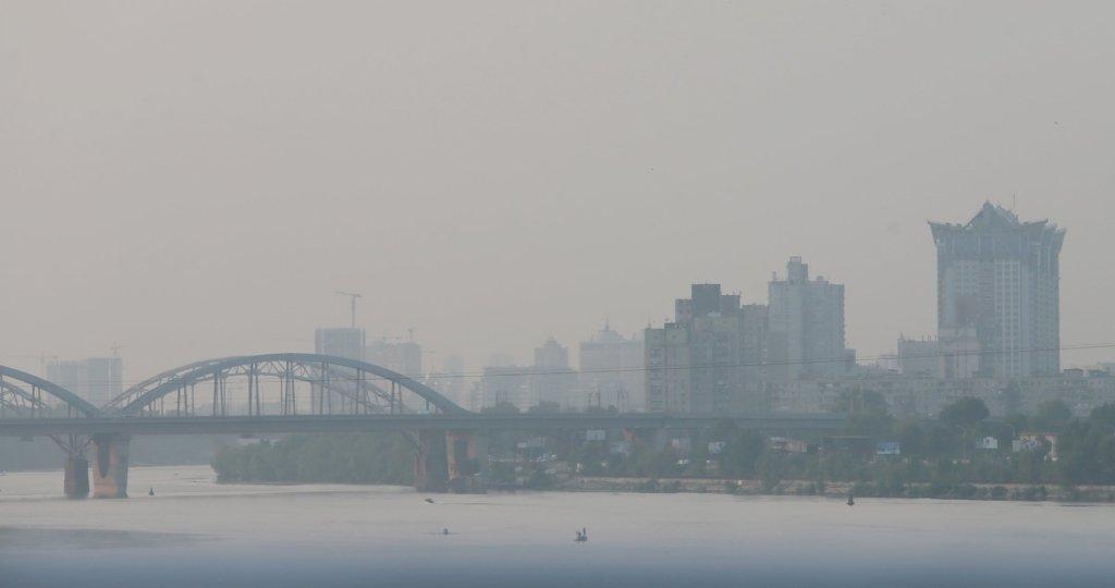 Лише одна ложка врятує від забрудненого повітря: лікарі назвали продукт