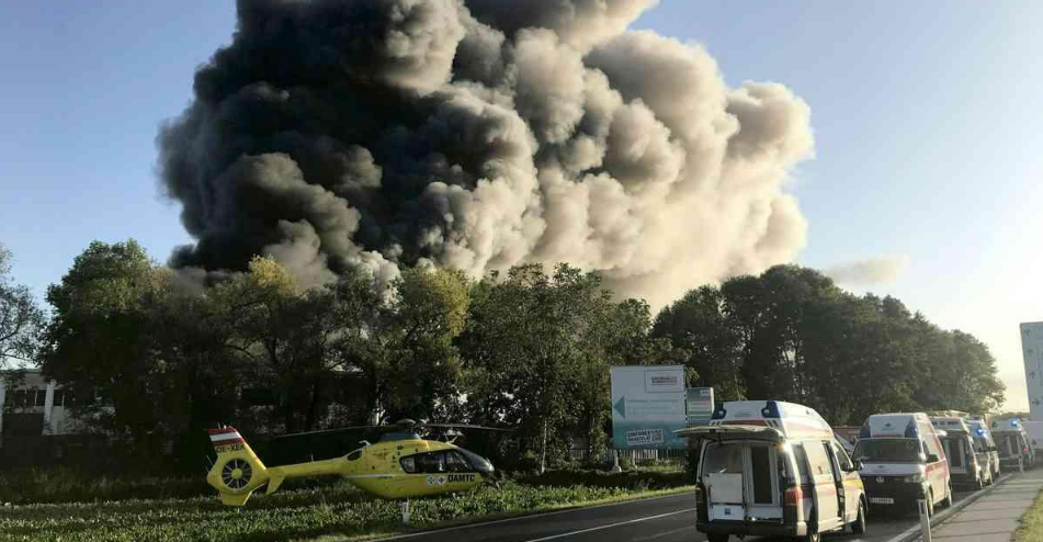 В Австрии прогремел мощный взрыв возле аэропорта: много пострадавших
