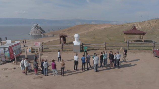 В России внезапно снесли памятник Путину