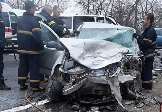 Мікроавтобус з пасажирами потрапив у смертельну ДТП на Прикарпатті