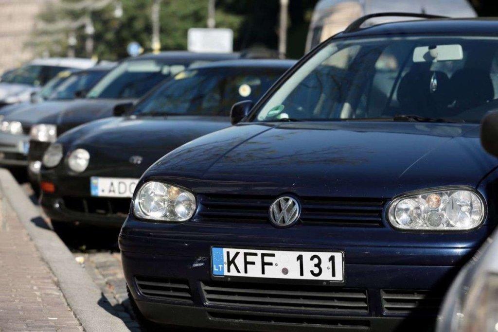 Владельцев «евроблях» ждут новые правила растаможивания: что изменится