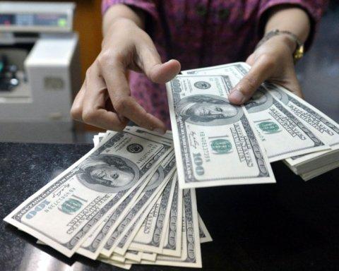 Что будет с курсом доллара после отмены валютных ограничений: эксперты дали прогноз