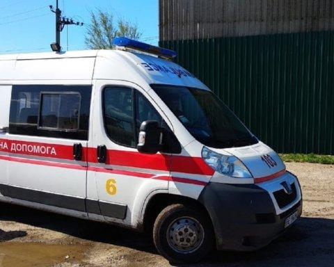 Авто з трьома дітьми потрапило в жахливу ДТП: подробиці та відео