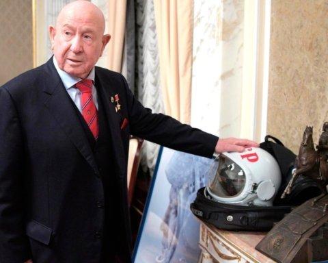 Умер космонавт Алексей Леонов, который первым в мире вышел в открытый космос