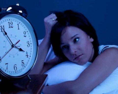 Дієтологи підказали продукти, які допоможуть заснути вночі