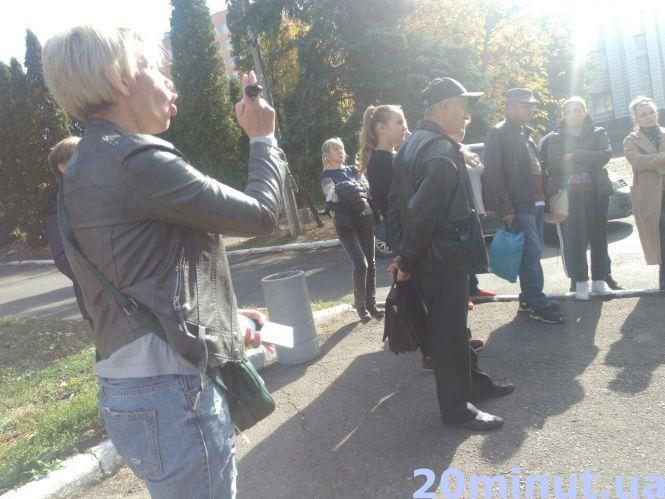 """У Тернополі пройшла нічна """"облава"""" на призовників: подробиці та фото"""