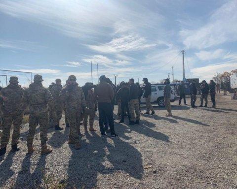 На Донбассе ветераны АТО подрались с полицией: все попало на фото