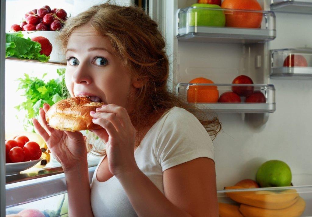 Дієтологи назвали продукти, які можно безпечно їсти на ніч