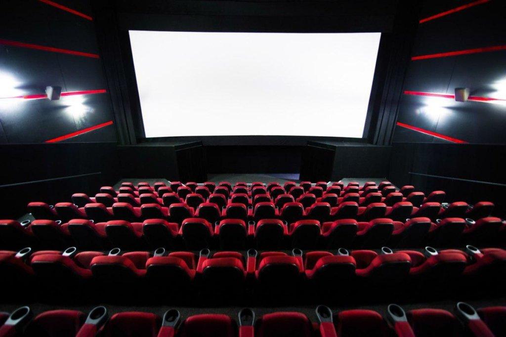 У Києві дозволили відкрити кінотеатри, ресторани та басейни