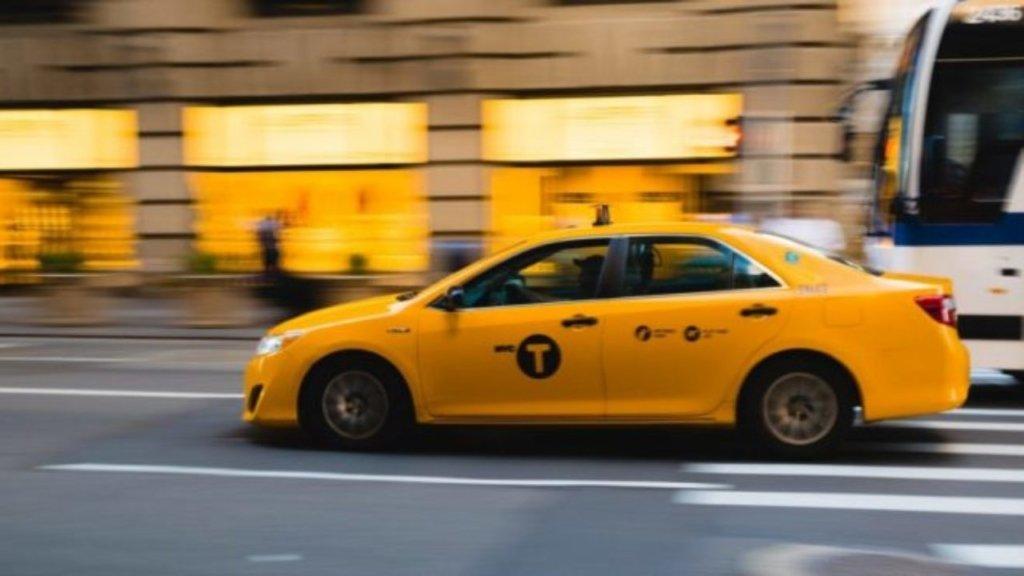 В Киеве такси сбило дочь олимпийского чемпиона: подробности жуткой ЧП
