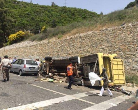 Жахлива аварія в Туреччині: постраждали десятки українських туристів