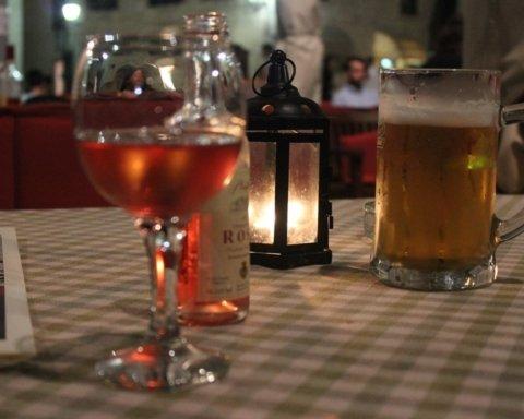 Диетологи назвали самый полезный алкогольный напиток