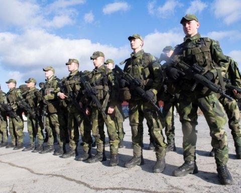 В Україні відправлять у відставку половину особового складу ЗСУ