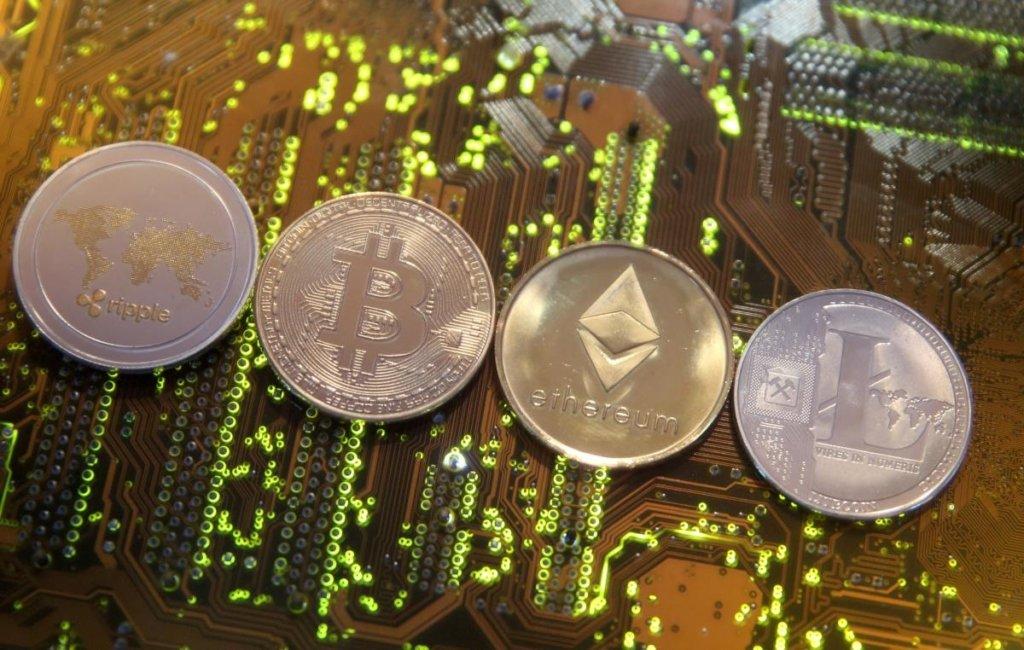 В Україні легалізували криптовалюту: що змінить закон