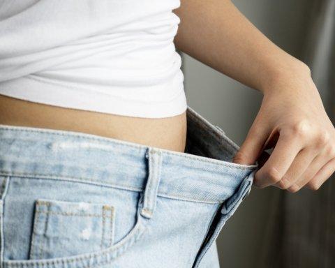 Похудеть на 10 килограммов к Новому году: названо очень эффективную диету