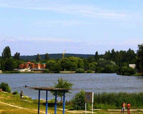 Зеленский подписал закон о доступных пляжах