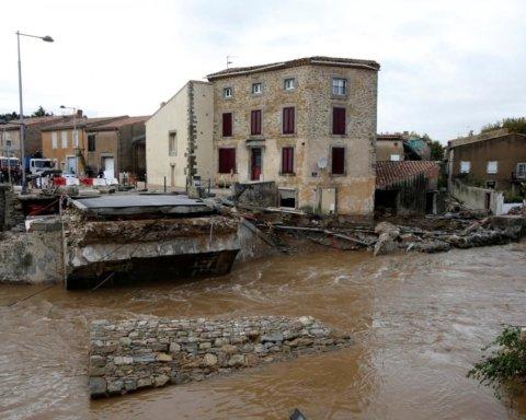 Наводнение во Франции: часть страны ушла под воду, есть жертвы