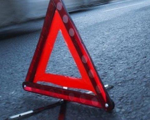 У Сумах сталася серйозна ДТП з маршруткою: постраждало багато людей