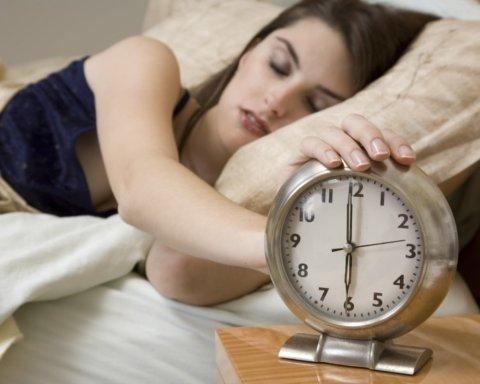 Медики назвали, чим загрожує хронічне недосипання