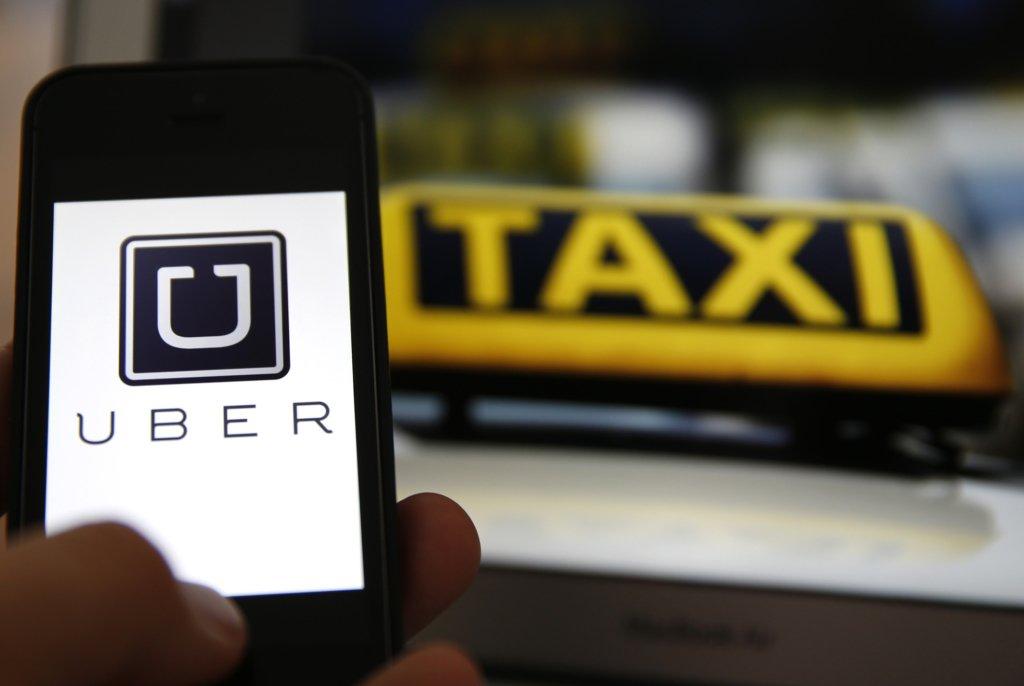 Карантин в Украине: кого и где будут возить бесплатно на такси