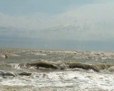 Затопило десятки баз отдыха: новые фото последствий урагана в Одессе