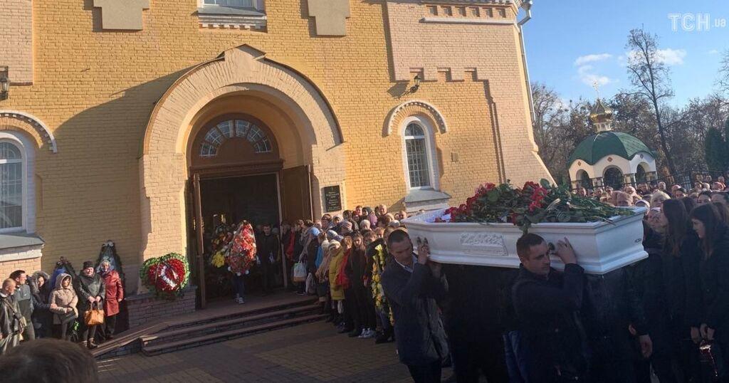 Убийство подростка в Прилуках: погибшего пришлось хоронить без половины черепа