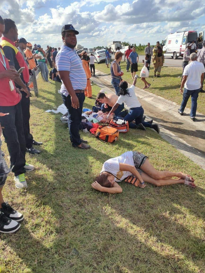 Отрывало руки: в Доминикане автобус с российскими туристами попал в жуткое ДТП