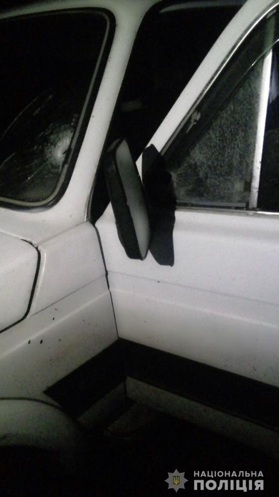 Под Харьковом неизвестные расстреляли авто с активистом: подробности и кадры с места