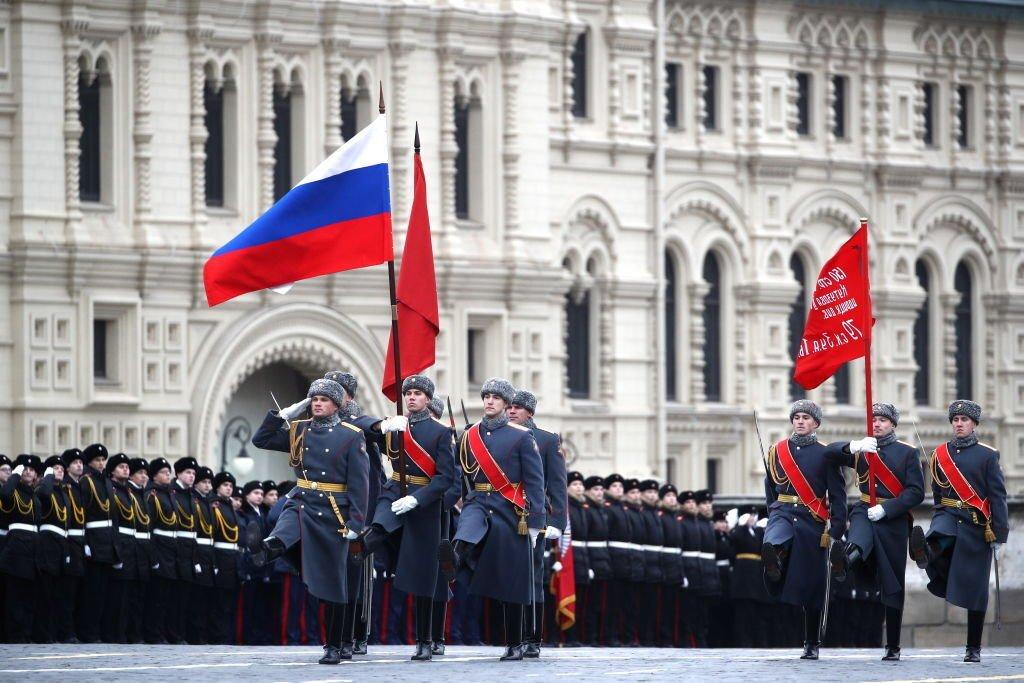 Парад Путина возмутил тысячи россиян: фото и видео с места