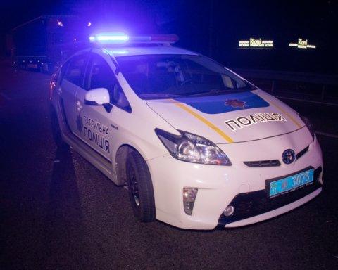 У Києві впав з мосту та загинув 19-річний хлопець: подробиці трагедії