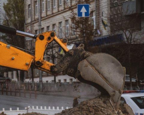 Несчастливый перекресток: что происходит на месте масштабного потопа в Киеве