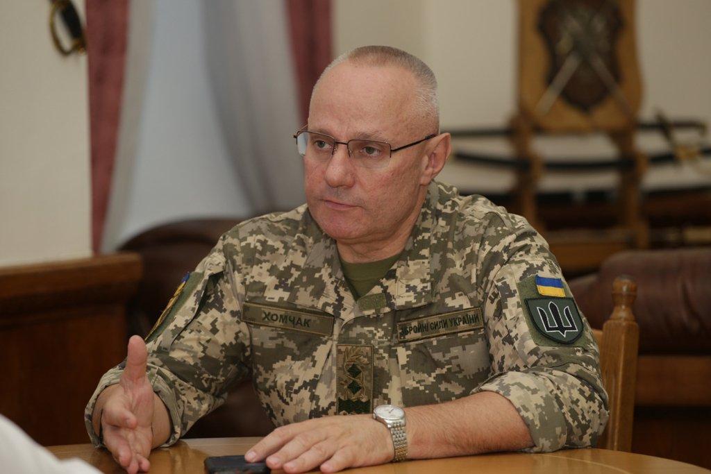 Хомчак пішов з посади командувача ЗСУ: названо його наступника
