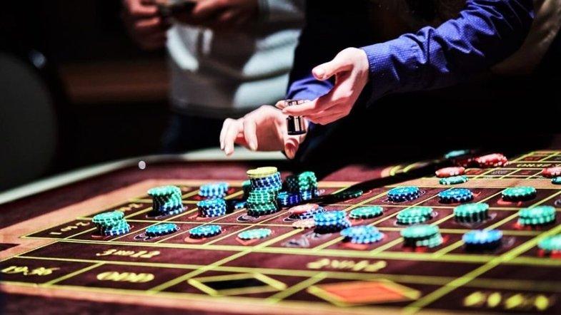 Огляд передового онлайн казино Космолот